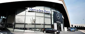 mercedes showroom ierse belegger verkoopt mercedes benz showroom in eindhoven
