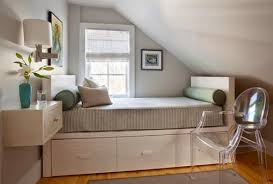 houze idea how to make small bedroom look bigger and work better