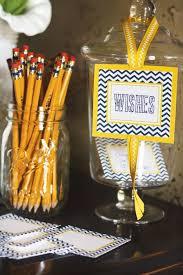 High School Graduation Favors by 13 Easy Diy Graduation Ideas Graduation Decorations For