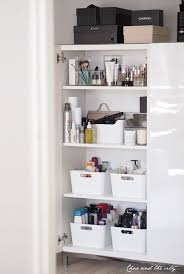 organizing bathroom ideas ways to organize a small bathroom how to organize a small