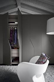 Furniture For Walk In Closet by Top 40 Modern Walk In Closets