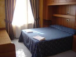 chambre des avou駸 best price on hotel mari 2 in rome reviews