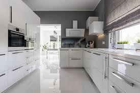 Closed Kitchen 28 Modern White Kitchen Design Ideas Photos Designing Idea