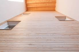 rivestimento listelli legno edificio in legno mendrisio gandelli suisse