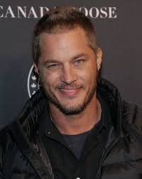 what is going on with travis fimmels hair in vikings 388 best travis fimmel images on pinterest celebrities a quotes