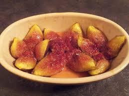 cuisiner les figues figues rôties au miel et romarin au fil du thym