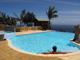 chambre d hote à la réunion le guétali charme et confort piscine et spa à piton leu