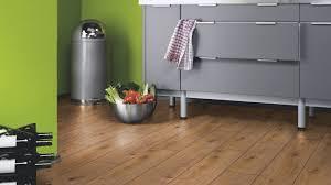 Prestige Laminate Flooring Laminate Select Prestige Oak Light D4169