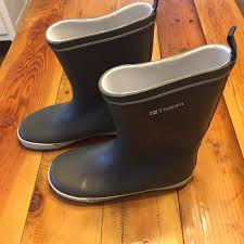 womens rubber boots size 9 53 tretorn shoes tretorn skerry boots s size 39