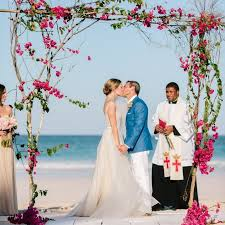 Wedding Venues On A Budget This Destination Wedding Venue On A Private Island Is Actually