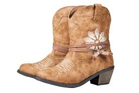 womens steel toe boots target steve madden s 7 year unveils target shoe collection