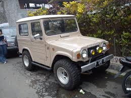 daihatsu jeep taft