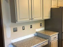what wall color looks with grey cabinets ideas on wall paint color to go with coventry gray cabinets