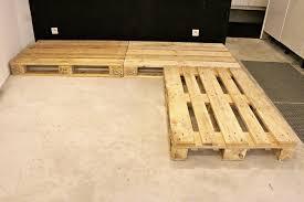 canapé avec palette fabriquer un canapé convertible en palette décoration d intérieur