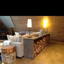 étagère derrière canapé des rangements autour du canapé floriane lemarié