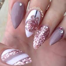 best 25 christmas nails ideas on pinterest holiday nails xmas