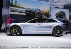 panamera porsche 2012 porsche panamera wagon won u0027t arrive in u s until 2018 car pro