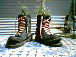 condo blues how to make old doc martin boots into a hip flower pot
