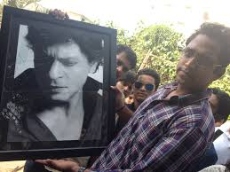 srk disappoints his fan