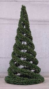 Easy To Make Christmas Decorations For Outside by Best 25 Creative Christmas Trees Ideas On Pinterest Wall