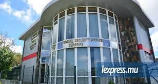 bureau securité sociale vidéo hold up au bureau de la sécurité sociale de curepipe