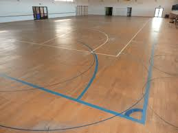 gradisca renews the sports floor with sanding and skating paint such is the parquet floor of the sports center in gradisca d isonzo before the