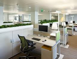 le bureau aménagement de plantes d intérieur pour le bureau de travail