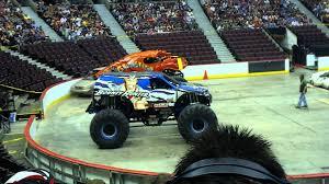 monster truck show ottawa monster truck crushstation vs avenger sprint race ottawa 2012 youtube