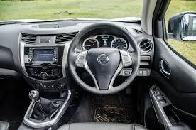 nissan navara 2013 interior nissan navara 2 3d 4x4 le 2017 review cars co za