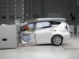 2012 toyota prius v driver side small overlap iihs crash test