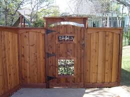 Fence Backyard Ideas by 33 Best Country Fence Images On Pinterest Dog Fence Fence Ideas