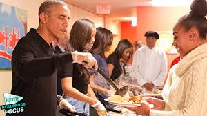 washington dc thanksgiving dinner malia and sasha obama serve thanksgiving dinner to the homeless
