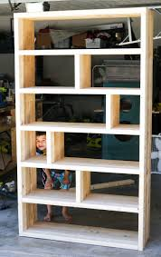 Free Built In Bookcase Woodworking Plans by Diy Rustic Pallet Bookshelf