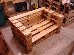 pedana pallet la bottega di pinocchio by li di legno li di salotto