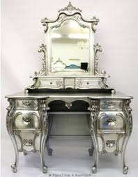 Ornate Vanity Table White Antique Vanity Dressing Table With Triple Mirror 475 00