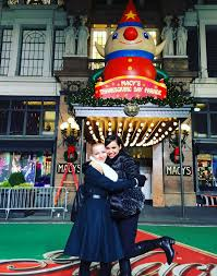 disney thanksgiving day parade dove cameron and sofia carson get ready for the macy u0027s