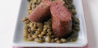 comment cuisiner la saucisse de morteau saucisse de morteau et lentilles vertes facile et pas cher