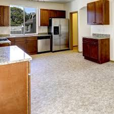 Difference Between Laminate And Vinyl Flooring Differences Between Vinyl And Linoleum Flooring Flooring Designs