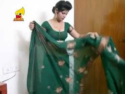 Draping Tutorial Wear A Saree In 2 Minutes Youtube