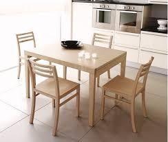 tavoli e sedie da cucina moderni disegno natale camino