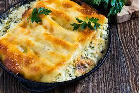 cuisine italienne cannelloni cannelloni d épinards et de fromage cuisine italienne image stock