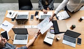 Gambar aplikasi strategi bisnis kopi kolaborasi rekan