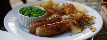 cuisine irlandaise typique bangers and mash plat irlandais guide irlande com