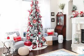 White Christmas Room Decorations by Classic Red And White Christmas Tree Decorating Ideas