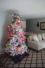 show me decorating a funky white tree theme pretty