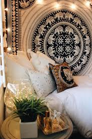 Bedroom Tapestry Wall Hangings Best 25 Tapestry Bedroom Ideas On Pinterest Tapestry Bedroom