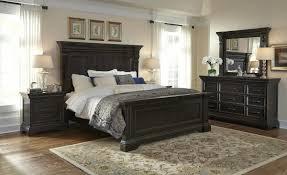 Caldwell Panel Bedroom Set In Dark Wood