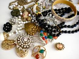 vintage accessories vintage jewelry b2b business