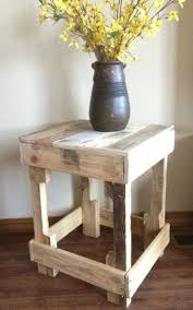 cool diy pallet side table with clay vase for corner decor living