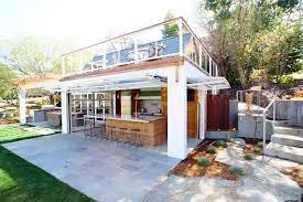 cuisine de jardin en cuisine d intérieur astucieusement transformée en cuisine ouverte d